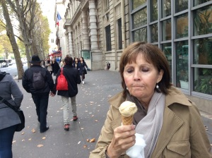 What could be more Parisian than a perfect scoop of ice cream on a cold day?